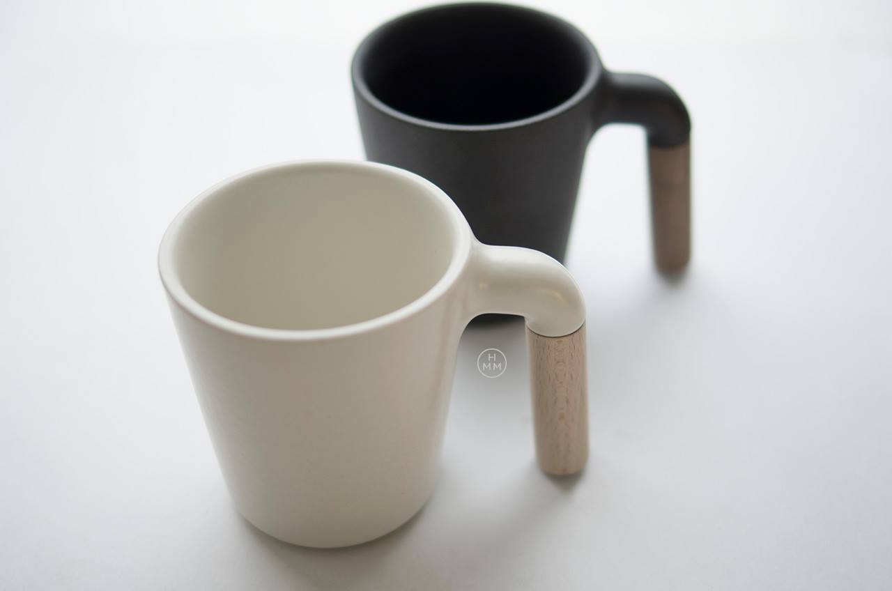 Modern Mug Ceramic Coffee Mug With R Shaped Wooden Handle