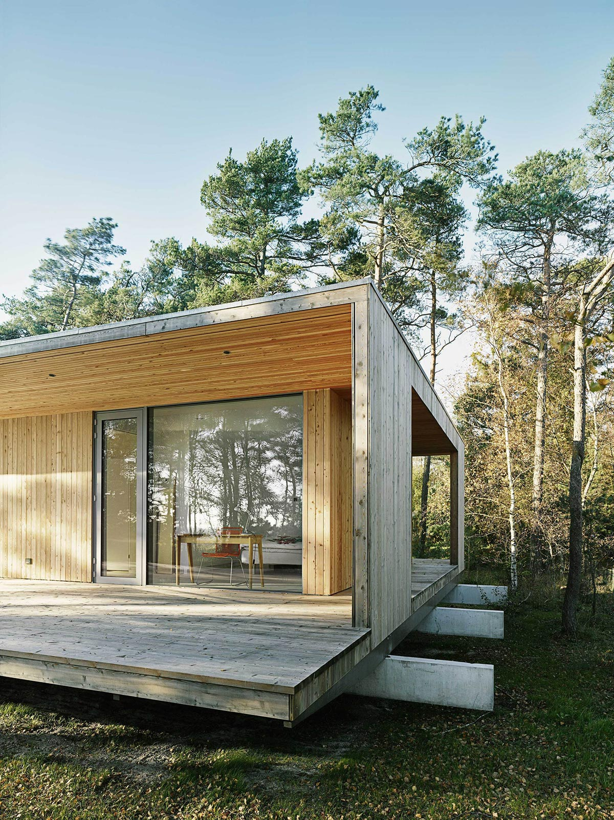 cabin-on-the-coast-of-southern-sweden-7