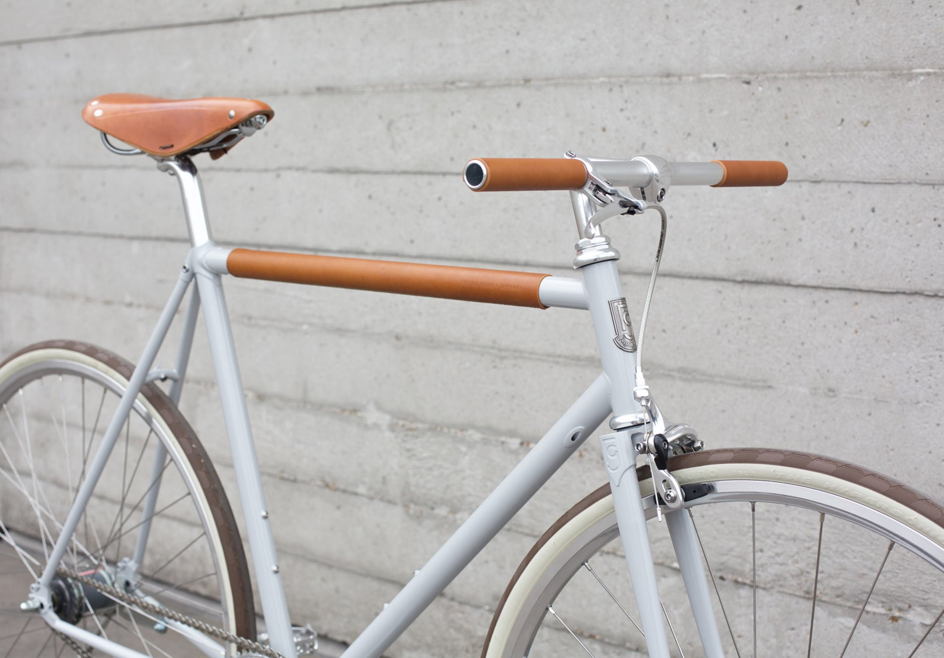 A Minimal 2 Speed City Bike Has More Than Meets The Eye