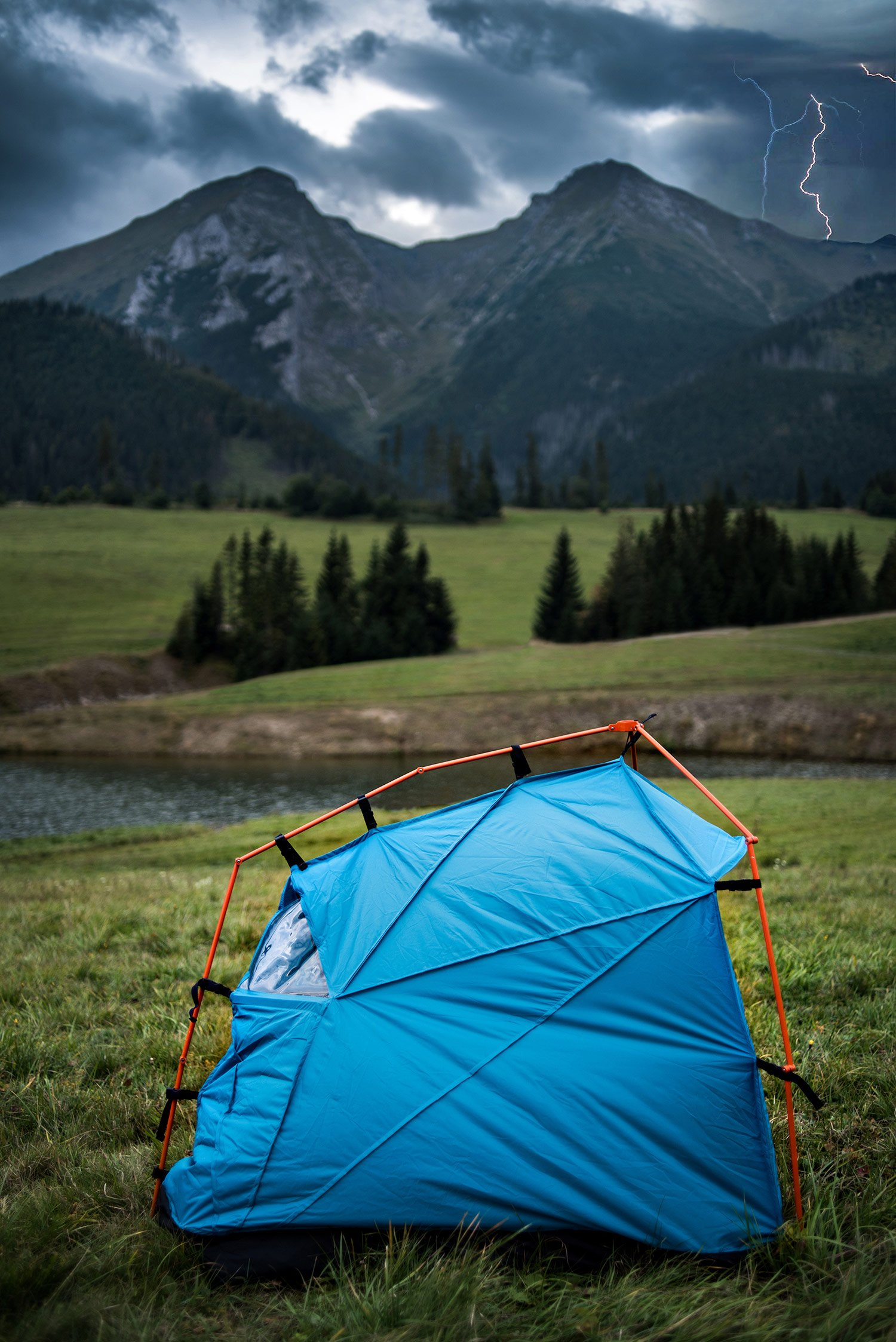lightening_proof_camping_tents_2
