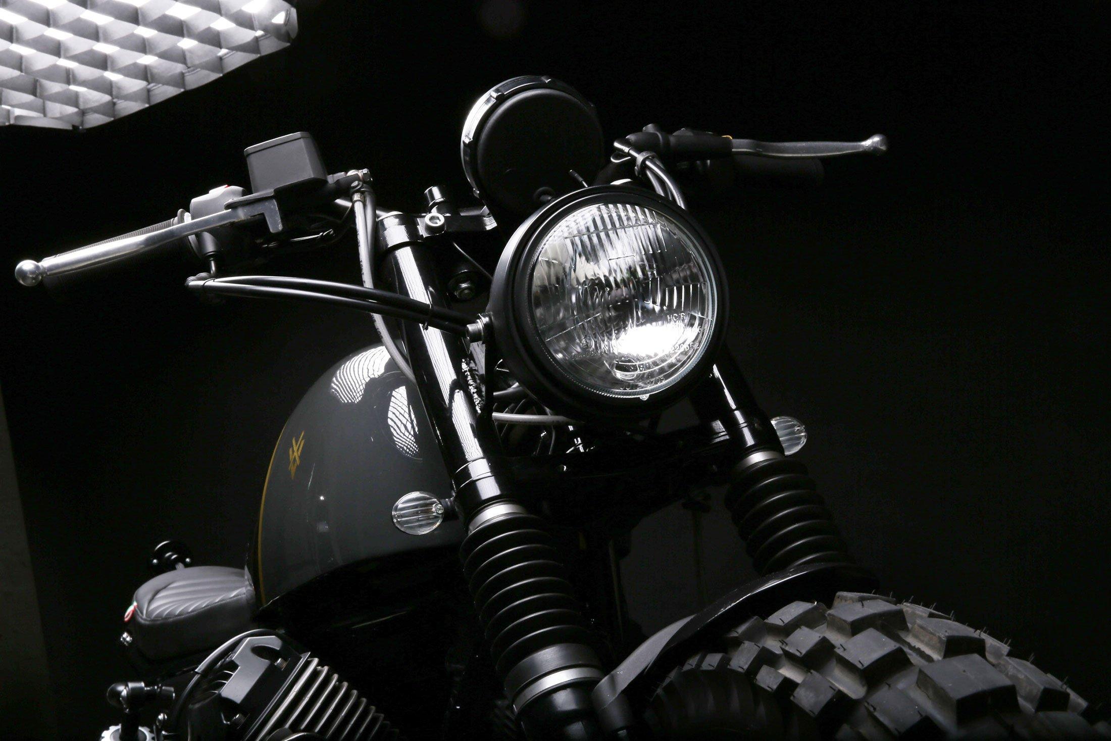 a-moto-guzzi-v7-redesigned-as-a-scrambler-gessato-7