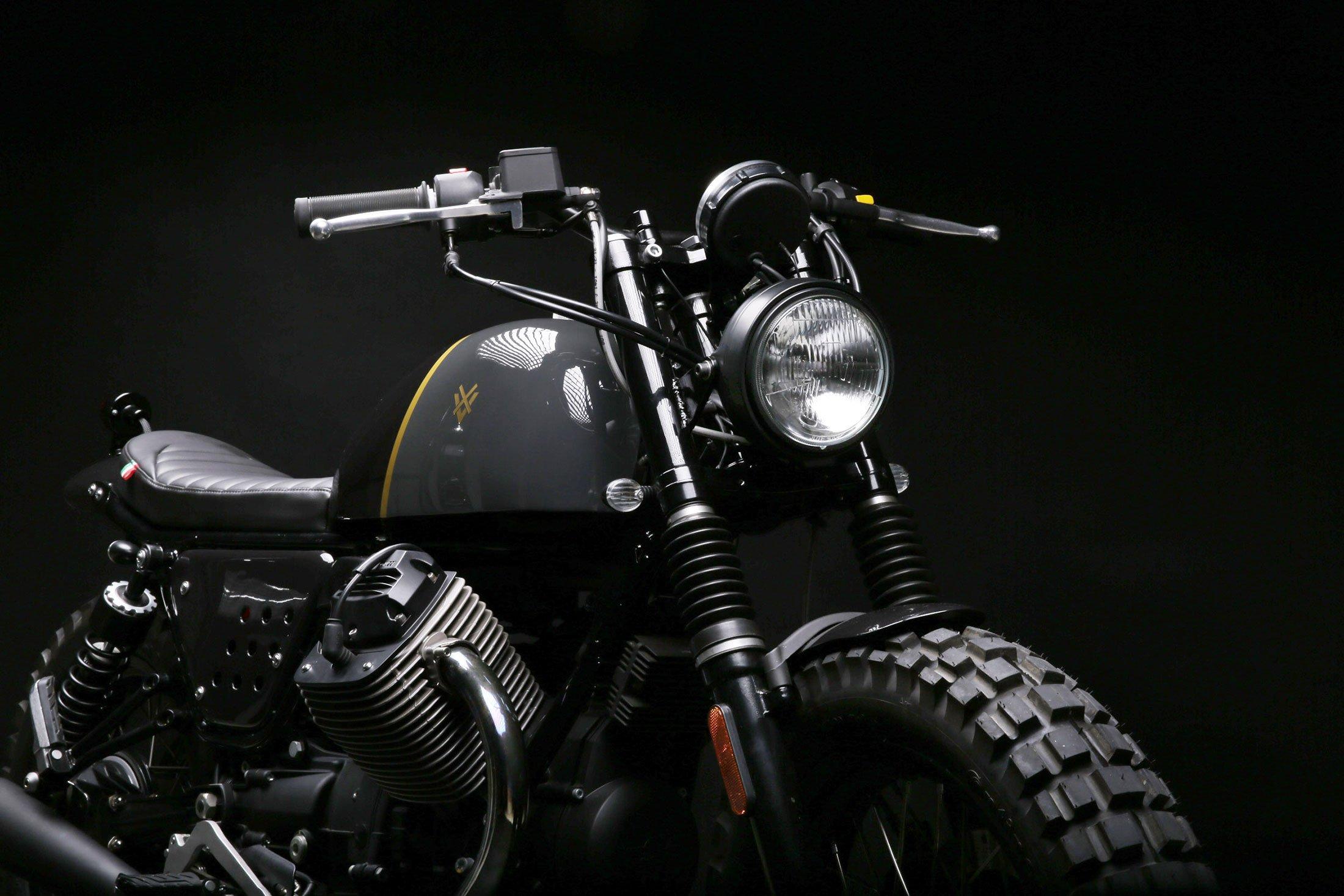 a-moto-guzzi-v7-redesigned-as-a-scrambler-gessato-9