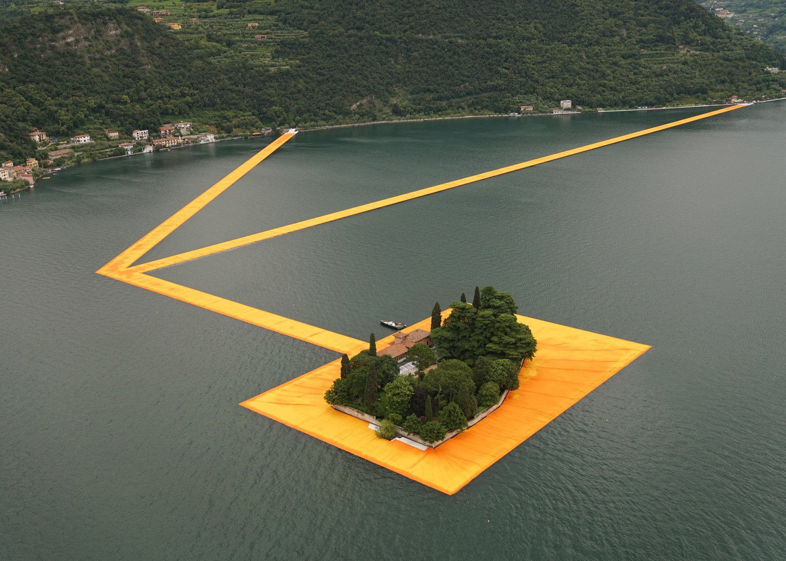 the-floating-piers-christo-gessato-34