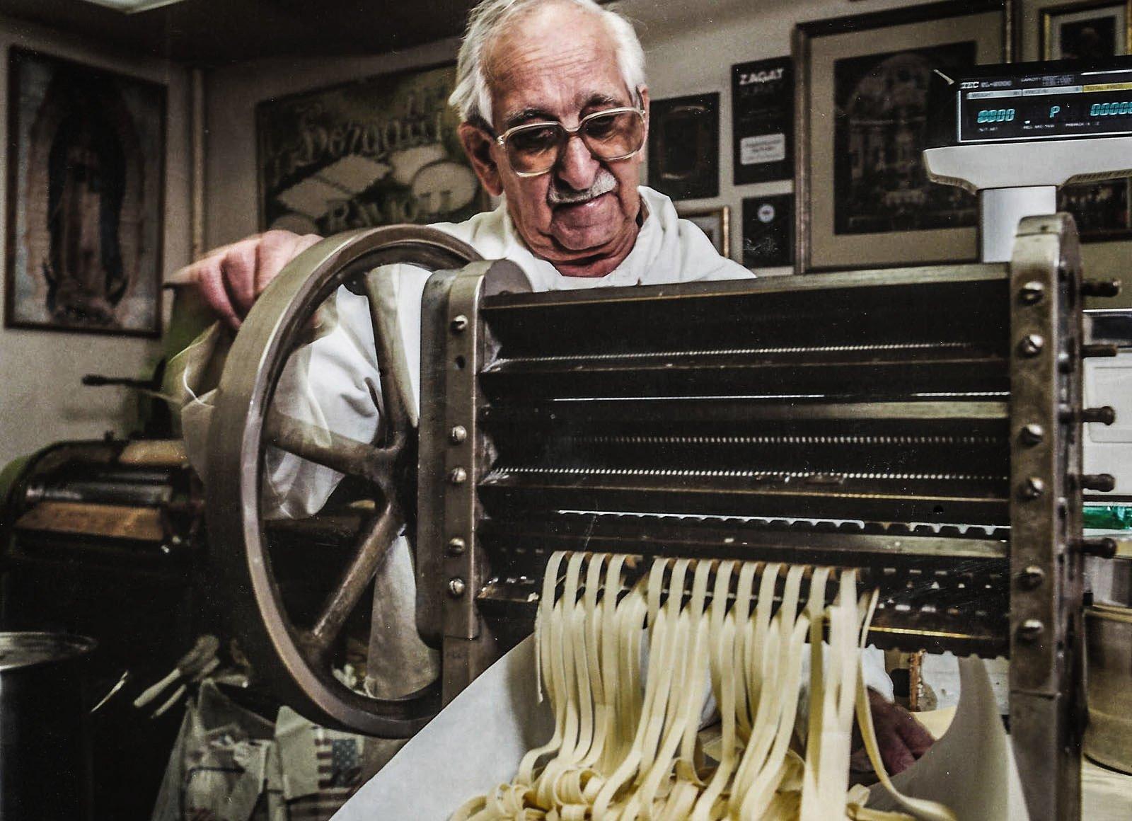 borgatti's-italian-pasta-shop-bronx
