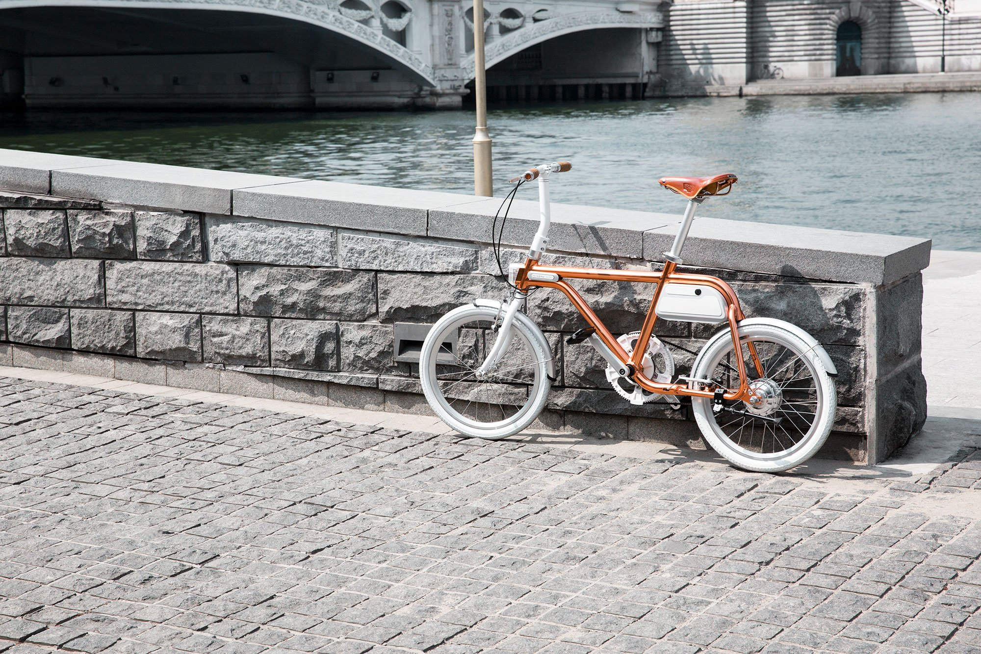 the tsinova ion smart and compact electric bike