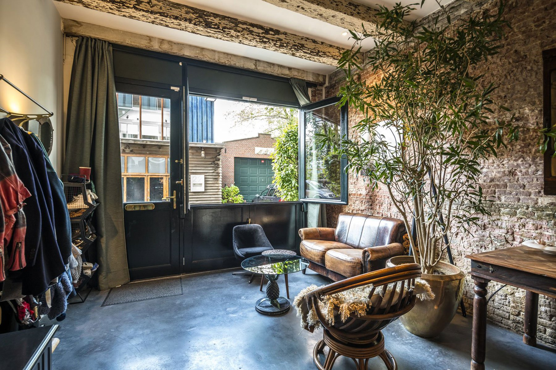 Living In A Garage In Style In Amsterdam