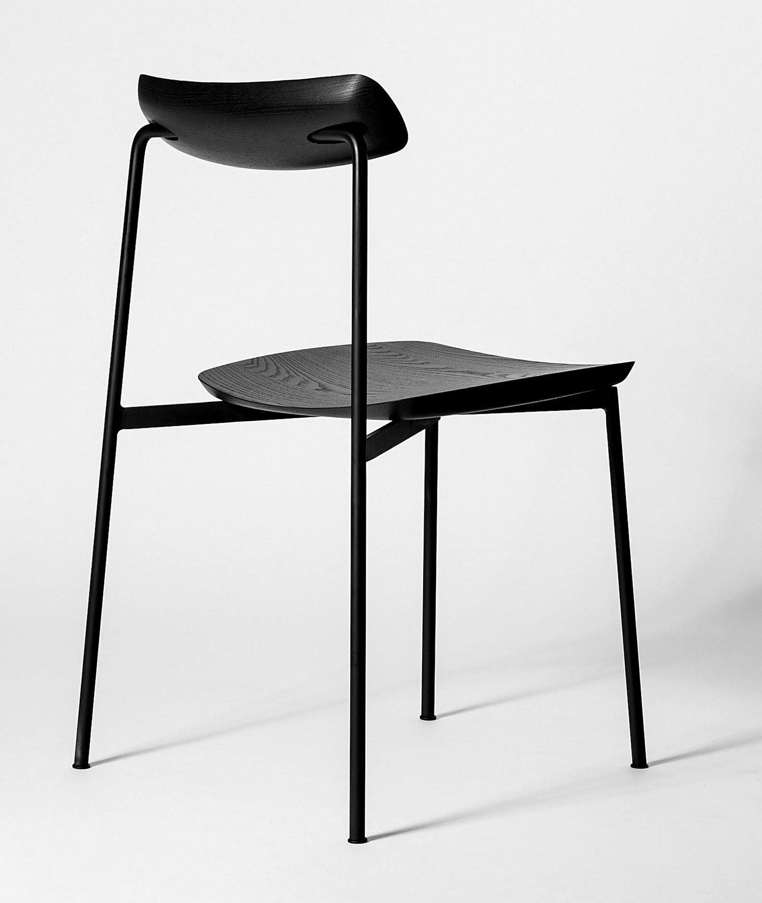 Minimal Chair Design: SIA