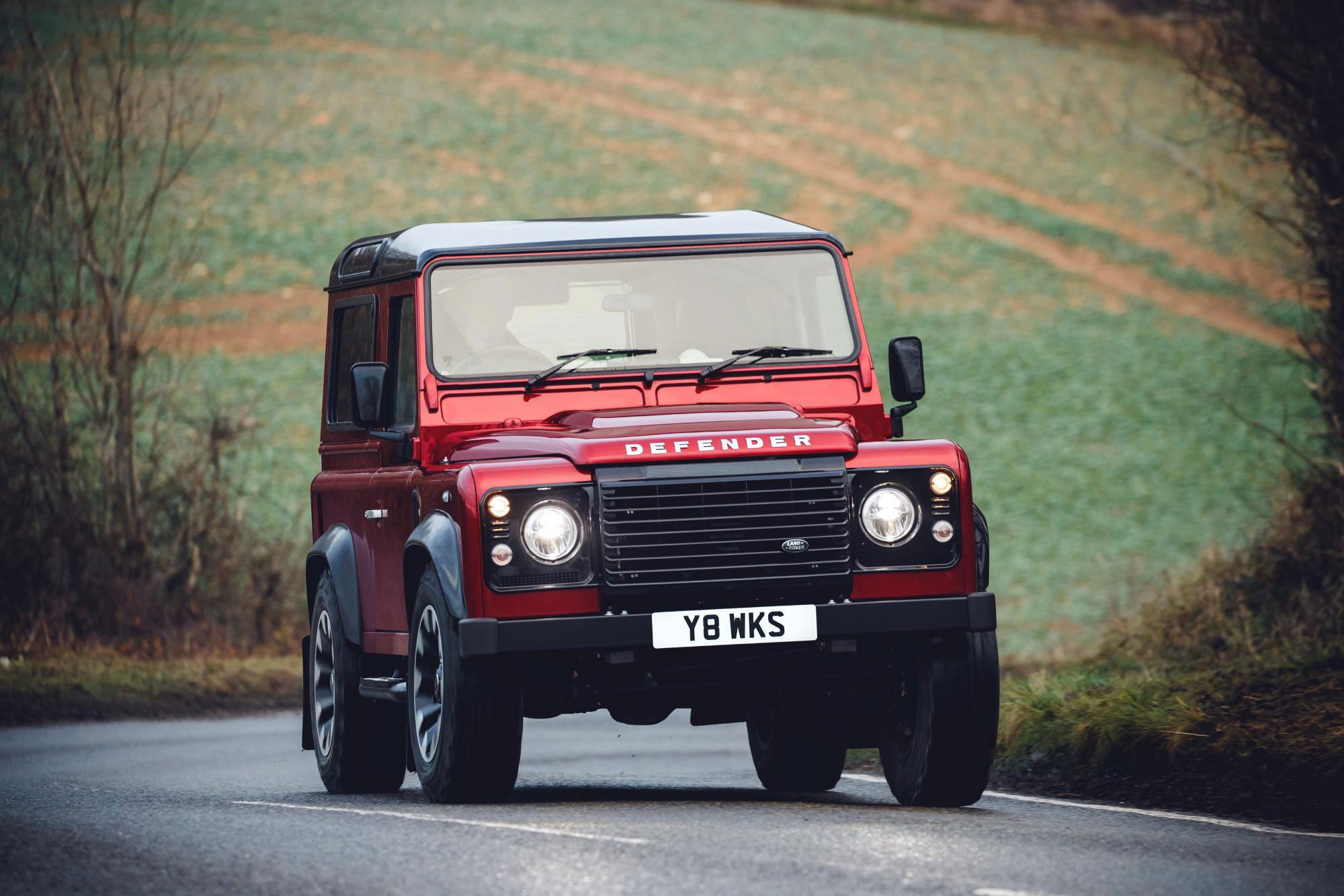 Nouveau Land Rover Defender 2018 >> The Land Rover Defender Works V8 Edition