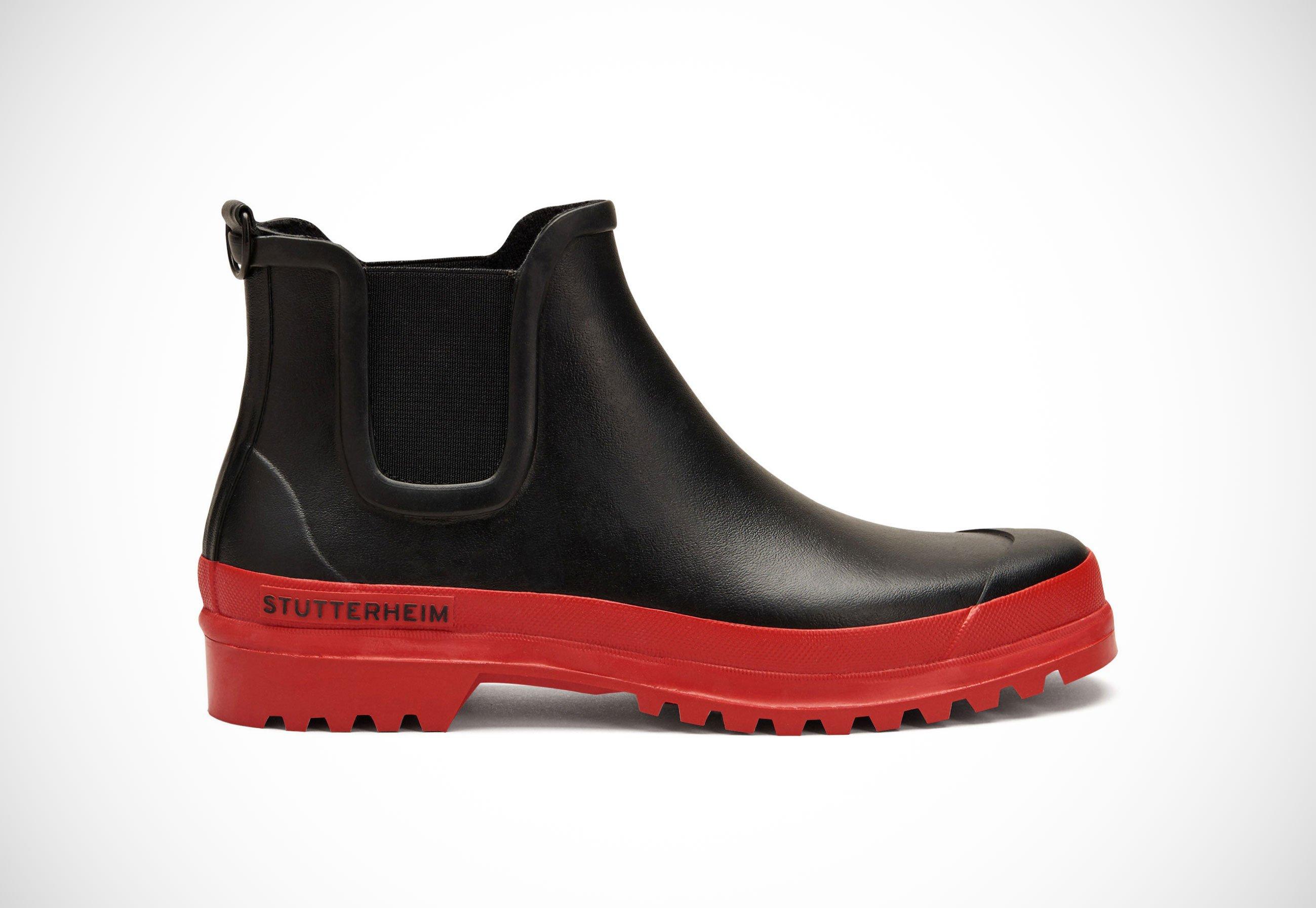 Stutterheim chelsea rainwalker boot the limited edition chelsea rainwalker boot will be available in stutterheims online shop the brands stockholm and new york flagship stores will also solutioingenieria Images